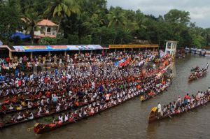 1380294686-payippad-boat-race-held-during-onam-festival_2796511